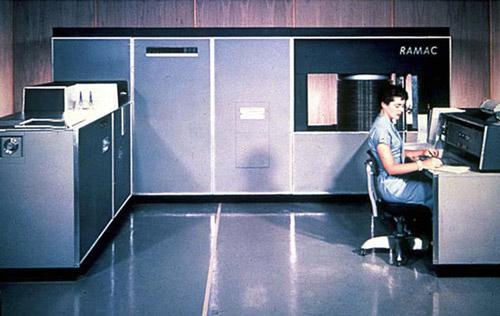 IBM 305 RAMAC.